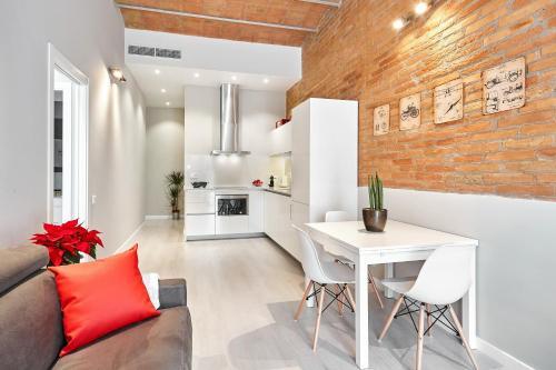 Urban District Apartments-Vintage Suites & Loft photo 45