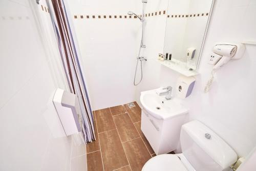 Hotel Nes Улучшенный двухместный номер с 2 отдельными кроватями