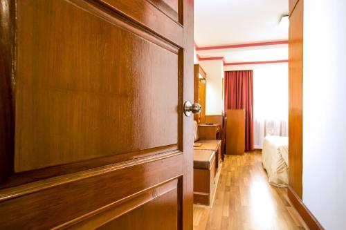 Elizabeth Hotel photo 35