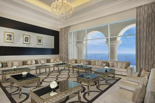 Palm Jumeirah, Crescent East, Plot C-34, Dubai, 24988, United Arab Emirates.