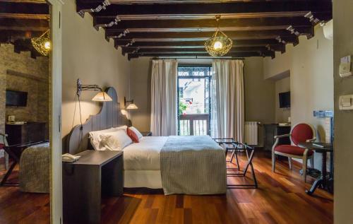 Habitación Doble Deluxe con vistas a la Alhambra Palacio de Mariana Pineda 32
