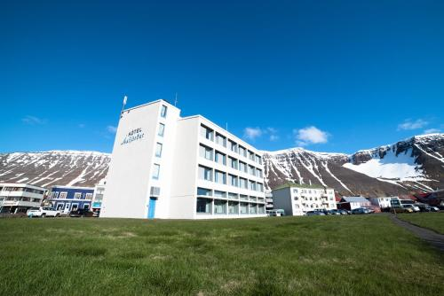 __{offers.Best_flights}__ Hotel Isafjördur - Torg