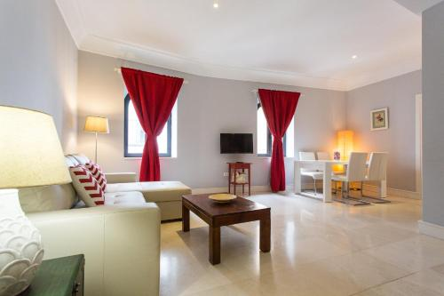 Hotel Arenal Patronas