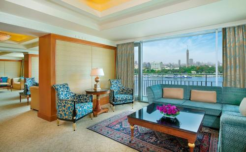 The Nile Ritz-Carlton, Cairo kamer foto 's