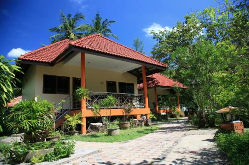 Connecting Bungalow with Garden View