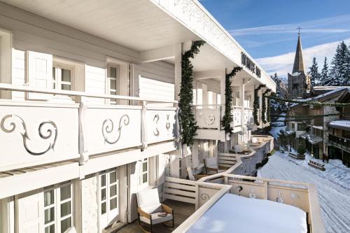 White 1921 Courchevel - Hotel