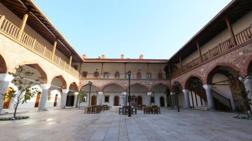 Aydın Zi̇nci̇rli̇ Han Hotel how to get