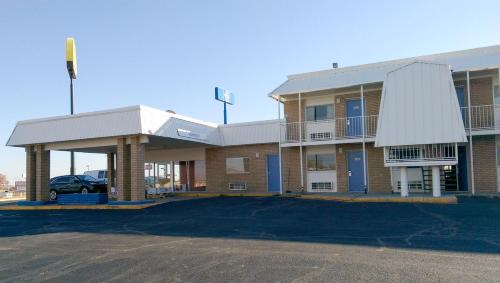 Motel 6 - Clinton