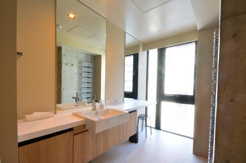 Three-Bedroom Apartment (6 Adults) - #301