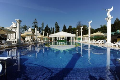 __{offers.Best_flights}__ Aphrodite Palace