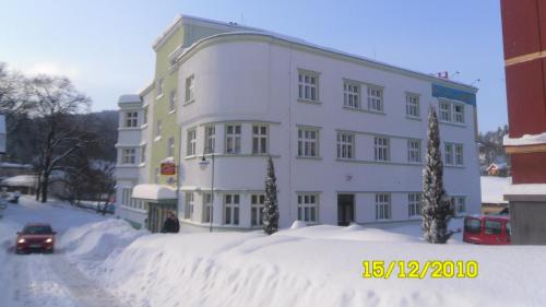 . Hotel Grand
