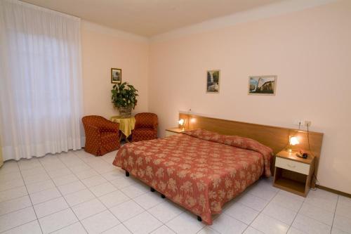 Hotel Roma phòng hình ảnh