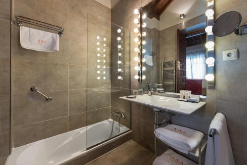 Double Room upper floor Gar Anat Hotel Boutique 48
