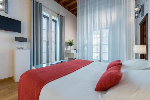 Habitación Doble Deluxe con bañera de hidromasaje  Gar Anat Hotel Boutique 5