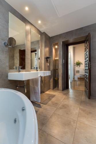 Habitación Doble con bañera de hidromasaje Gar Anat Hotel Boutique 9