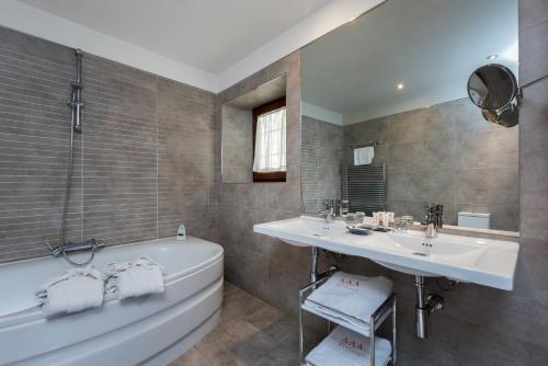 Habitación Doble con bañera de hidromasaje Gar Anat Hotel Boutique 8