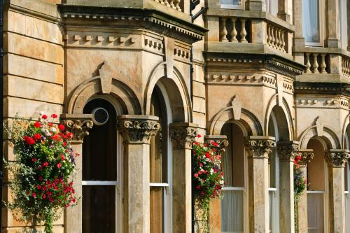 Crown Place, Harrogate, North Yorkshire, HG1 2RZ, England.