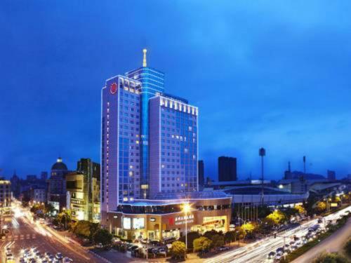 . Dynasty Hotel