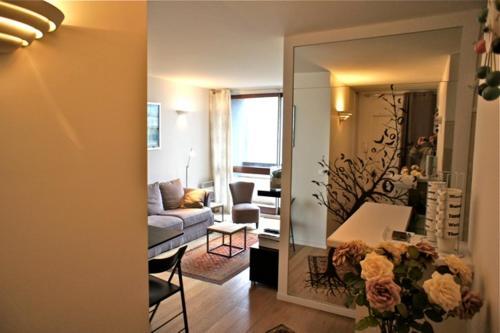 Modern 2 bedroom -Eiffel Tower photo 7