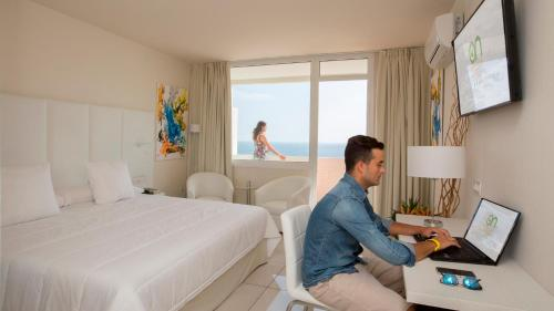 Superior King Room with Sea View