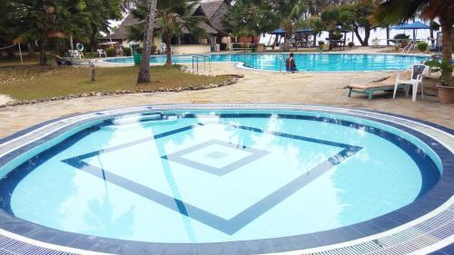 Jumuia Beach Resort Kanamai