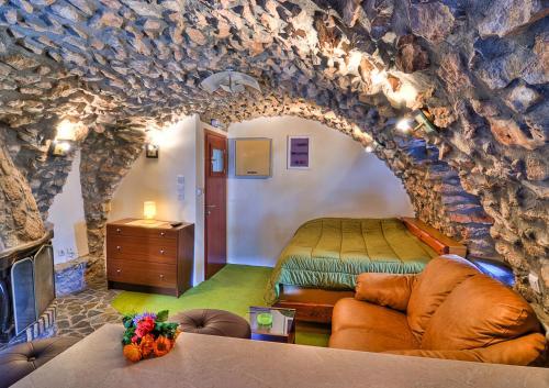 Avgonima All Seasons Hotel