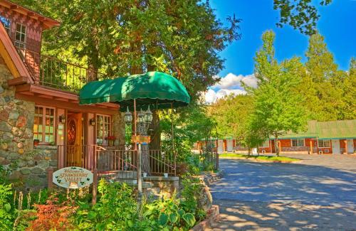 Strawberry Valley Inn - Accommodation - Mount Shasta