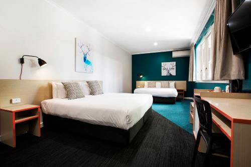 . Greenacre Hotel