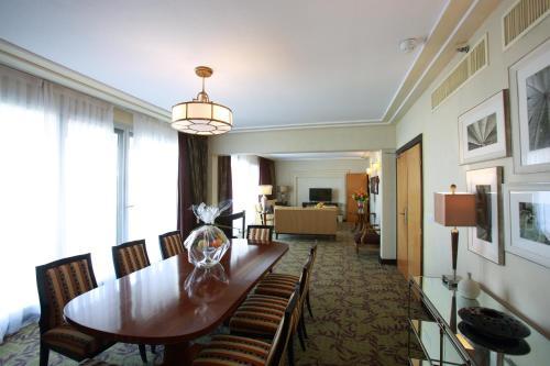 King Fahd Palace Hotel kamer foto 's