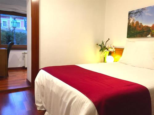 Comfort Double or Twin Room with Spa Access Hotel Del Lago 26