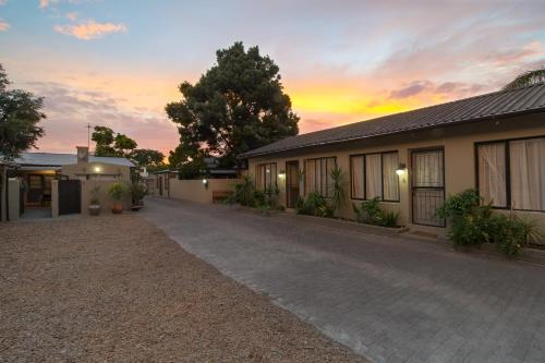 Inyathi Self-Catering Apartments