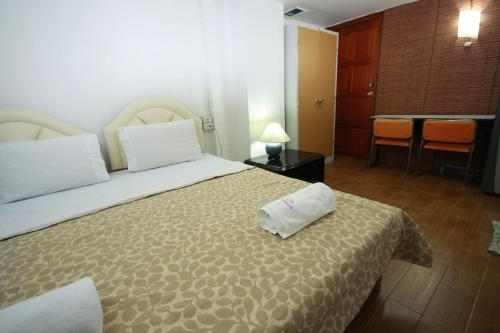 Khun Noy Apartment photo 7