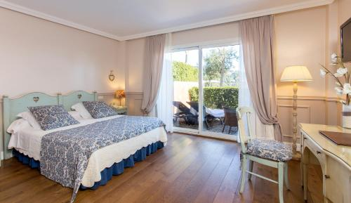 Deluxe Double Room with Sea View Hotel BlauMar Llafranch 6