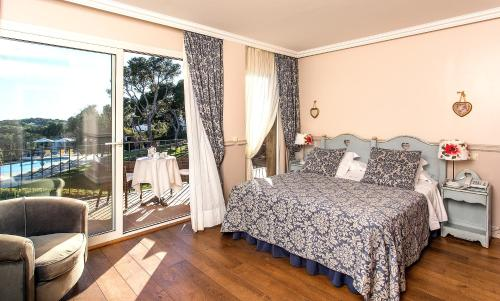 Superior Double Room with Sea View Hotel BlauMar Llafranch 2