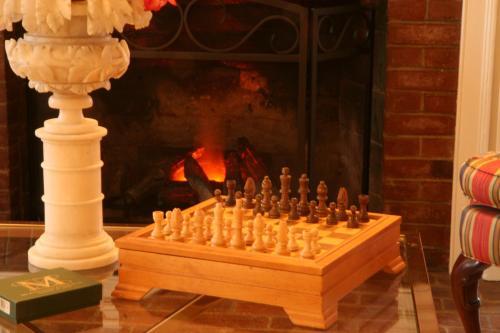 Charred Oaks Inn - Versailles, KY 40383