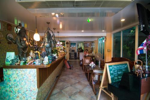 Samsen Sam Place photo 20