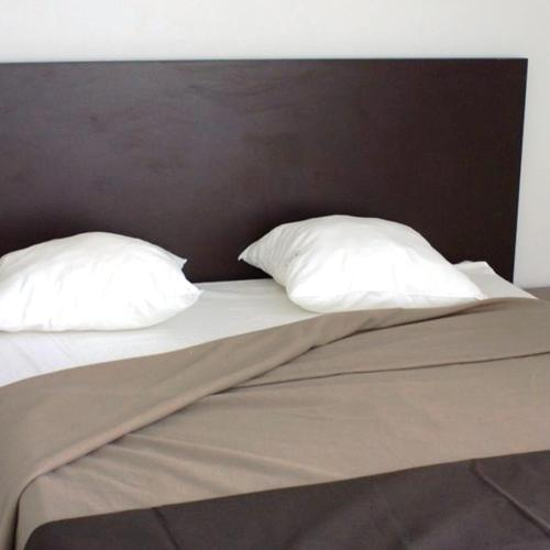 Bed In City - Le Virgile room photos