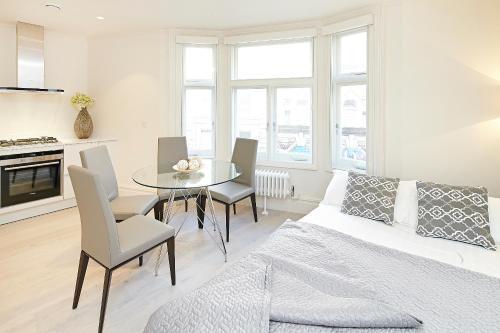LCS Exeter Street Apartments Апартаменты с 1 спальней