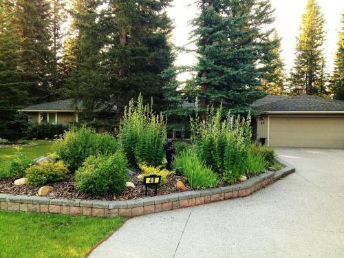 Redwood Retreat - Accommodation - Bragg Creek