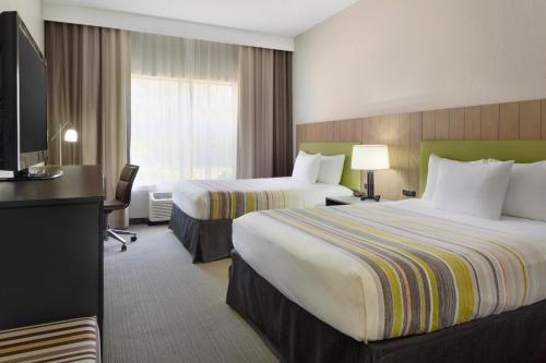 Country Inn & Suites by Radisson Brunswick I-95 GA - Brunswick, GA 31525