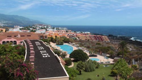 Travesía Los Cancajos n°2 - 38711 Breña Baja La Palma, Canary Islands, Spain.