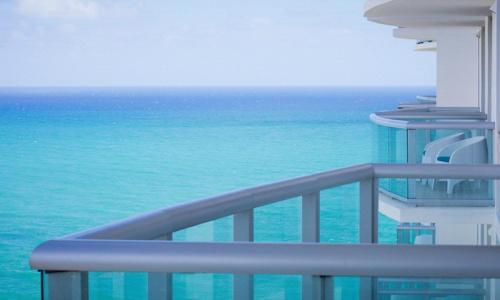 Sunny Isles Beach Marenas Apartment