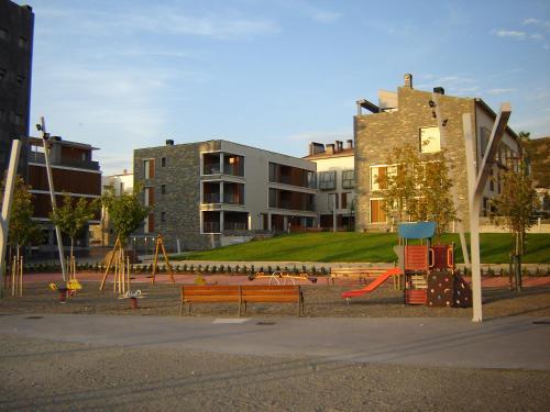 . Apartamentos Valle de Tena - Las Margas Golf