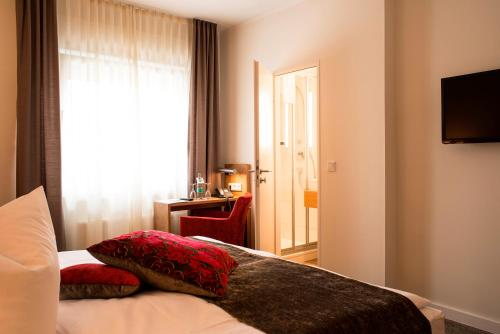 Maingau Hotel photo 21
