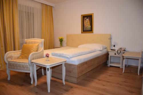 __{offers.Best_flights}__ Hotel zum Goldenen Schiff