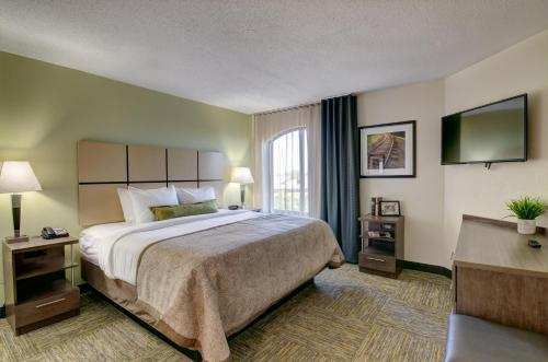 Candlewood Suites Richmond - West Broad photo 35