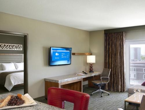 The Broadway Columbia - A Doubletree By Hilton Hotel - Columbia, MO 65201
