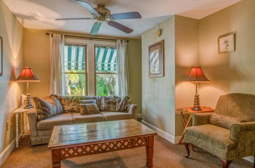 The Historic Peninsula Inn - Gulfport, FL 33707