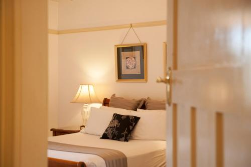 Cobb And Co Court Boutique Hotel