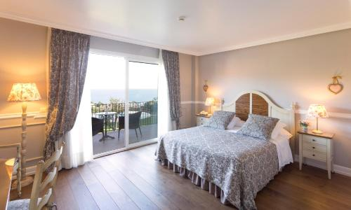 Superior Double Room with Sea View Hotel BlauMar Llafranch 4